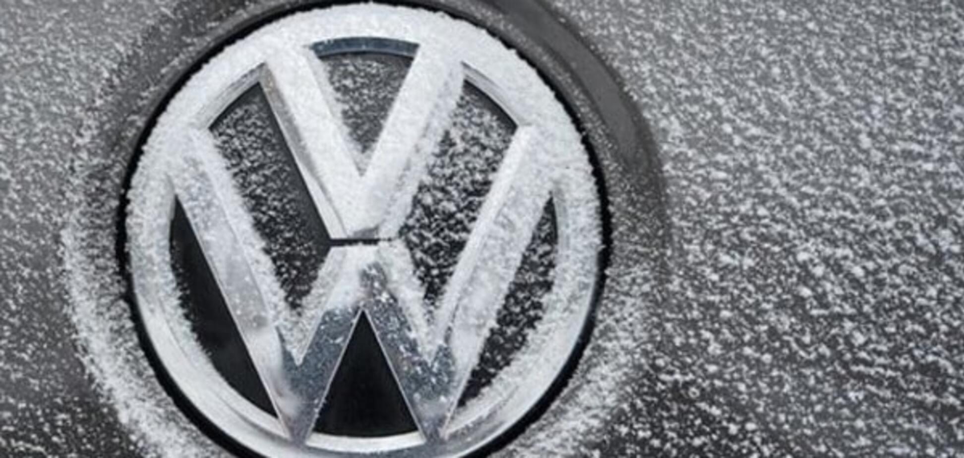 """Тысячи европейских автолюбителей хотят """"засудить"""" концерн Volkswagen. Источник: dw.com"""
