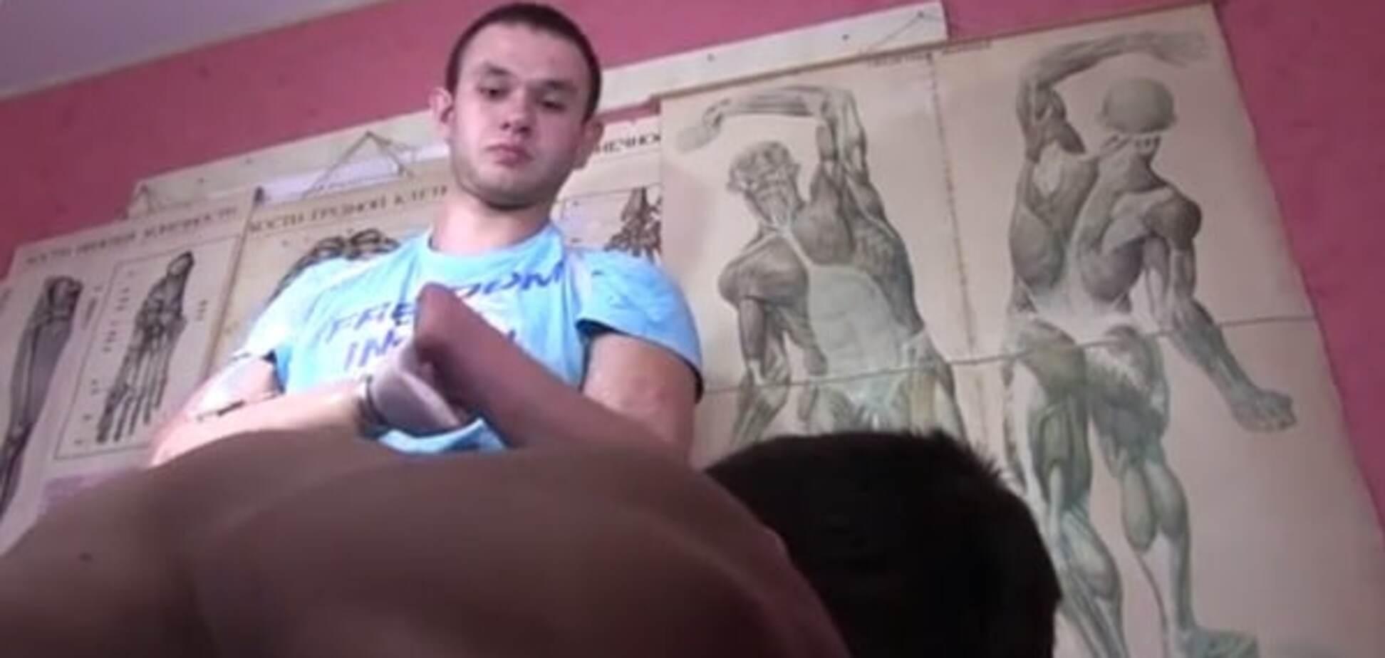 Ветеран АТО, потерявший обе кисти, стал массажистом: видеофакт