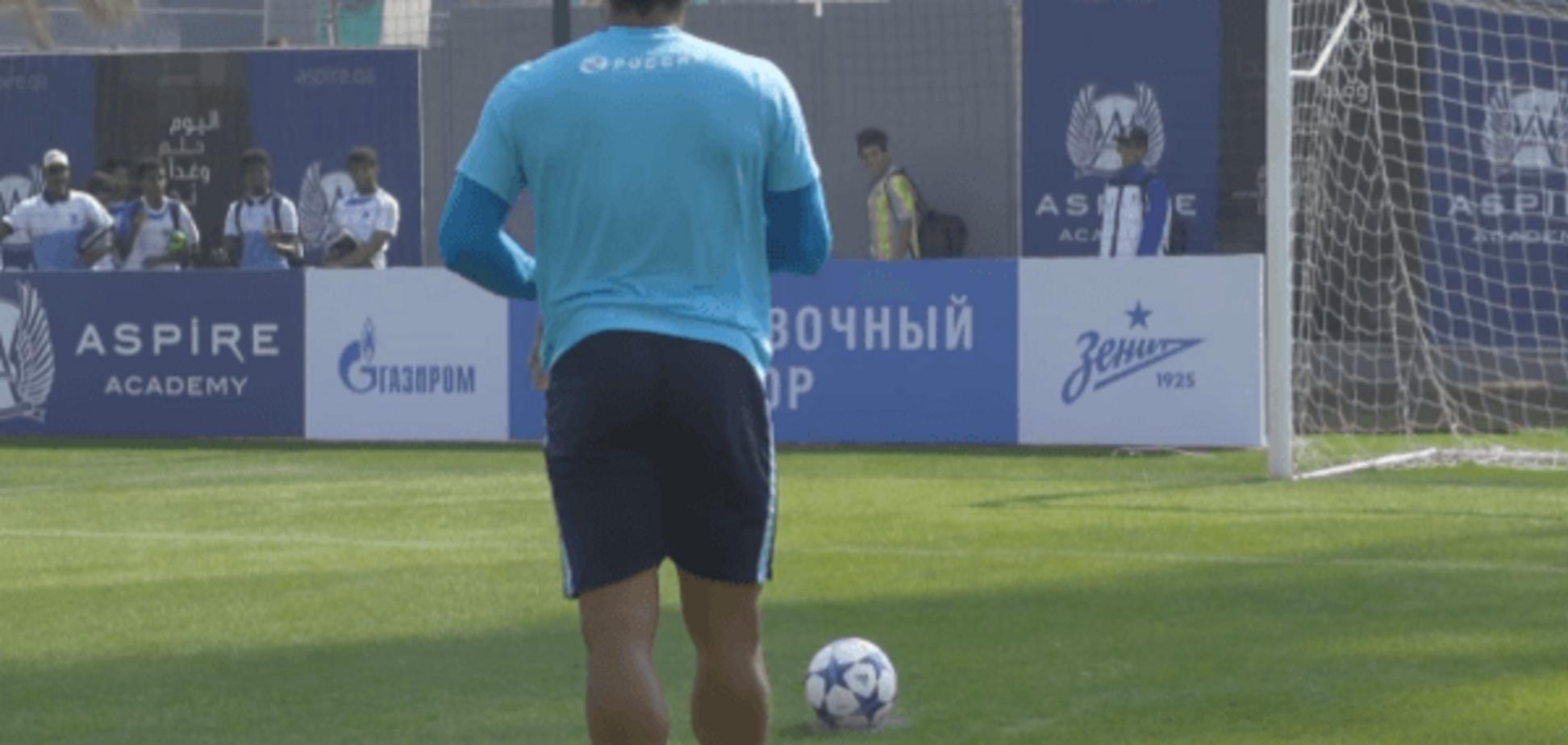 Необычный пенальти от знаменитого футболиста 'Зенита' бьет рекорды на Youtube: видео суперудара