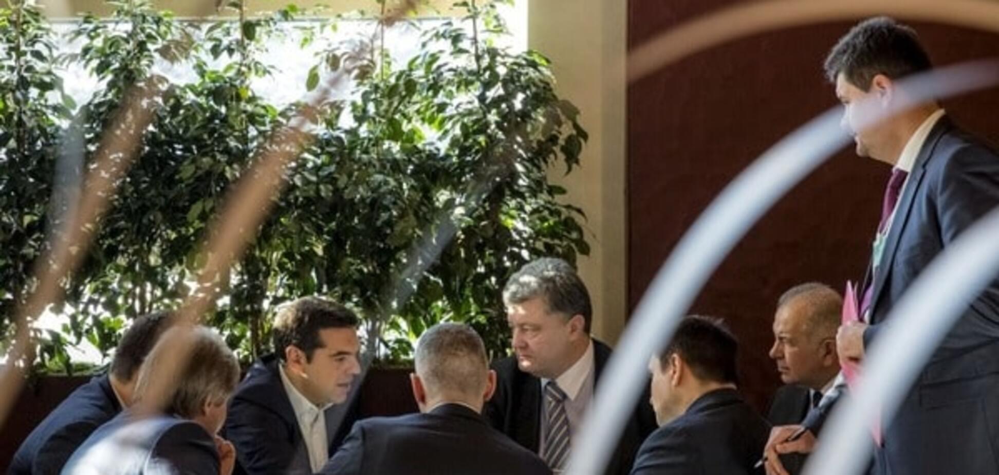 Безвізовий режим для України: Ципрас озвучив Порошенку позицію Греції