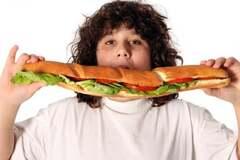 Ожиріння у дітей: дієтолог назвав 5 кроків до порятунку дитини
