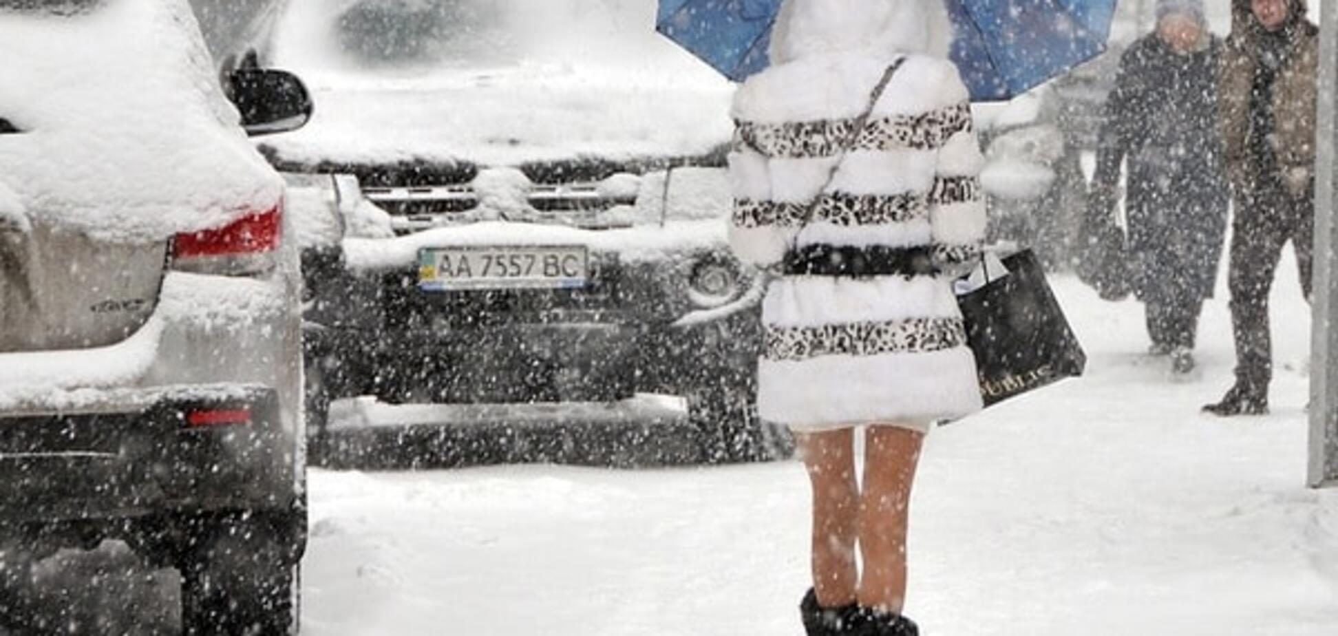 Сугробы, метель и пробки: Киев парализовала непогода