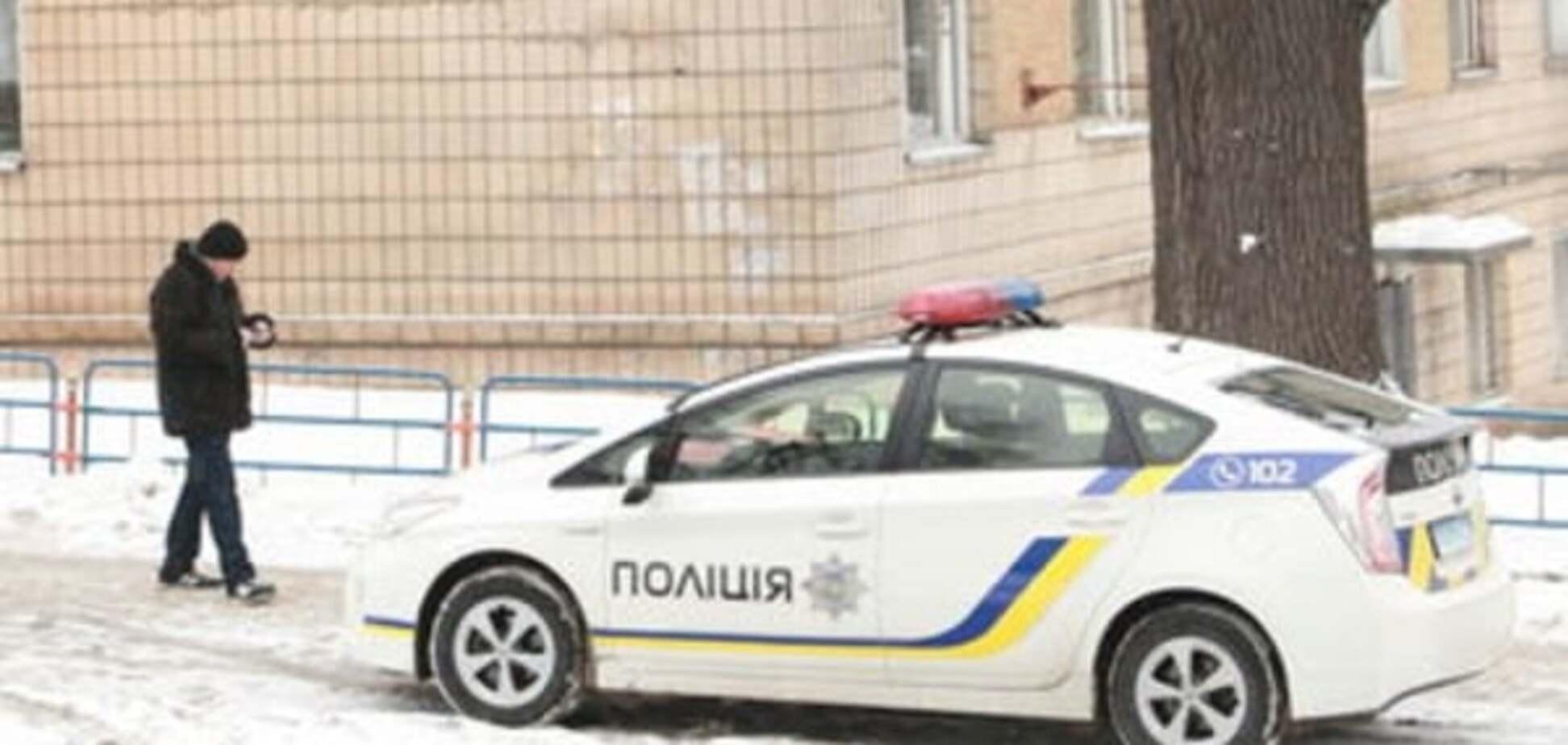 Недетские разборки: в Киеве со стрельбой демонтировали киоски