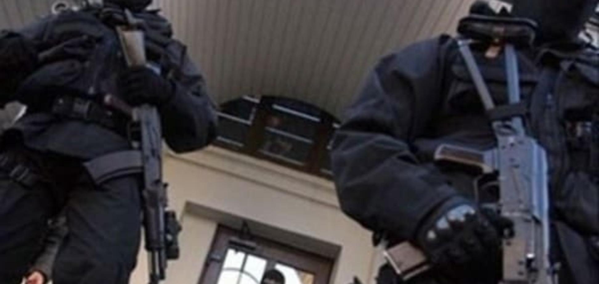 В Крыму неизвестные в масках оцепили мечеть