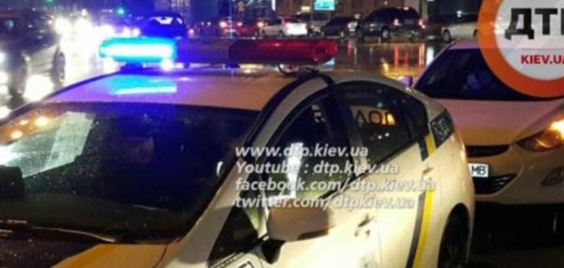 В Киеве таксист сбил 7-летнего ребенка и скрылся: фото с места событий