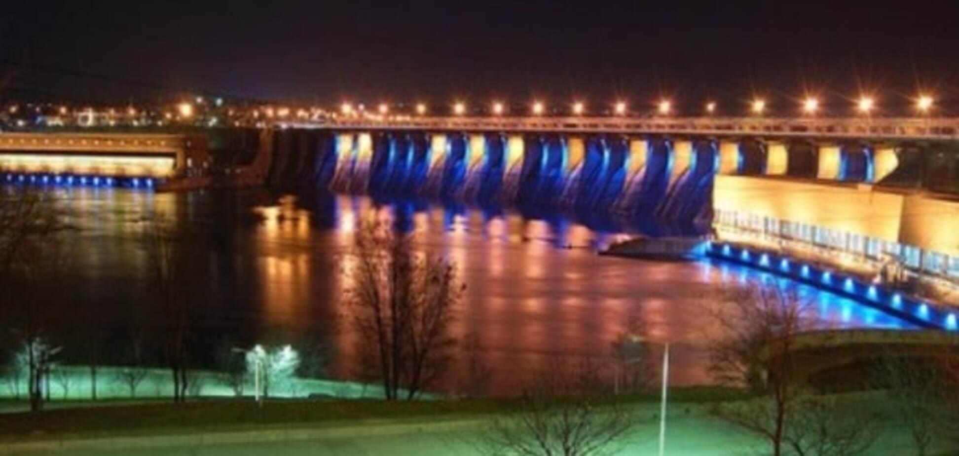 Авария в Запорожье парализовала движение на плотине ДнепроГЭС