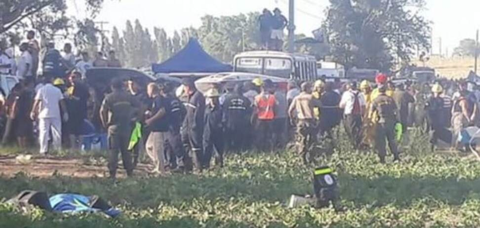 Знаменитое ралли 'Дакар' прервали из-за жуткой аварии: фото и видео трагедии