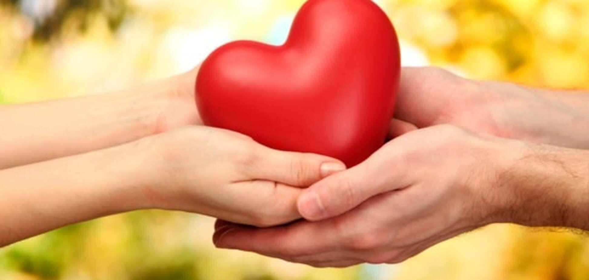 Психологи рассказали, каким женщинам везет в любви