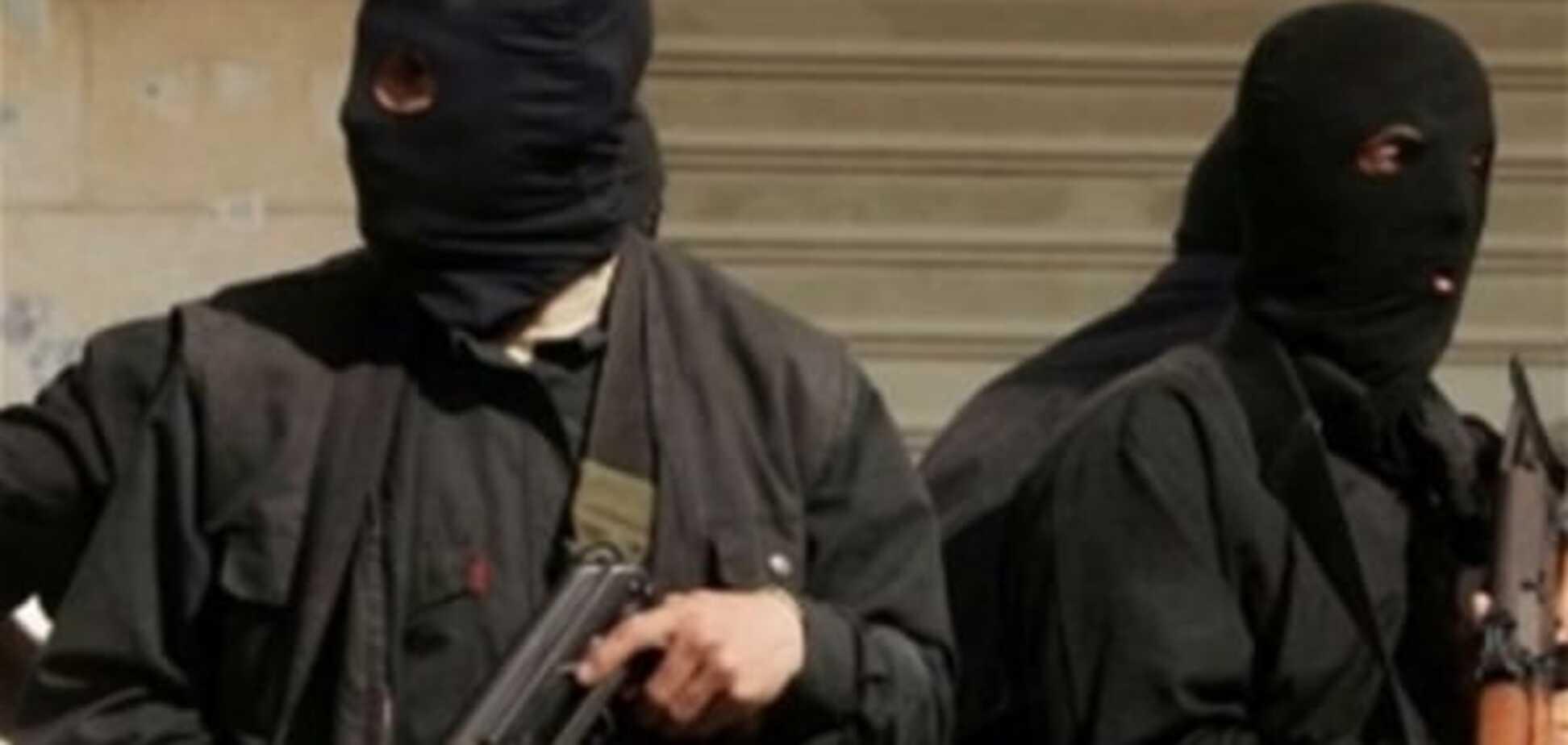 Рекет повертається: на Кіровоградщині молодчики в масках у відкриту оббирають фермерів