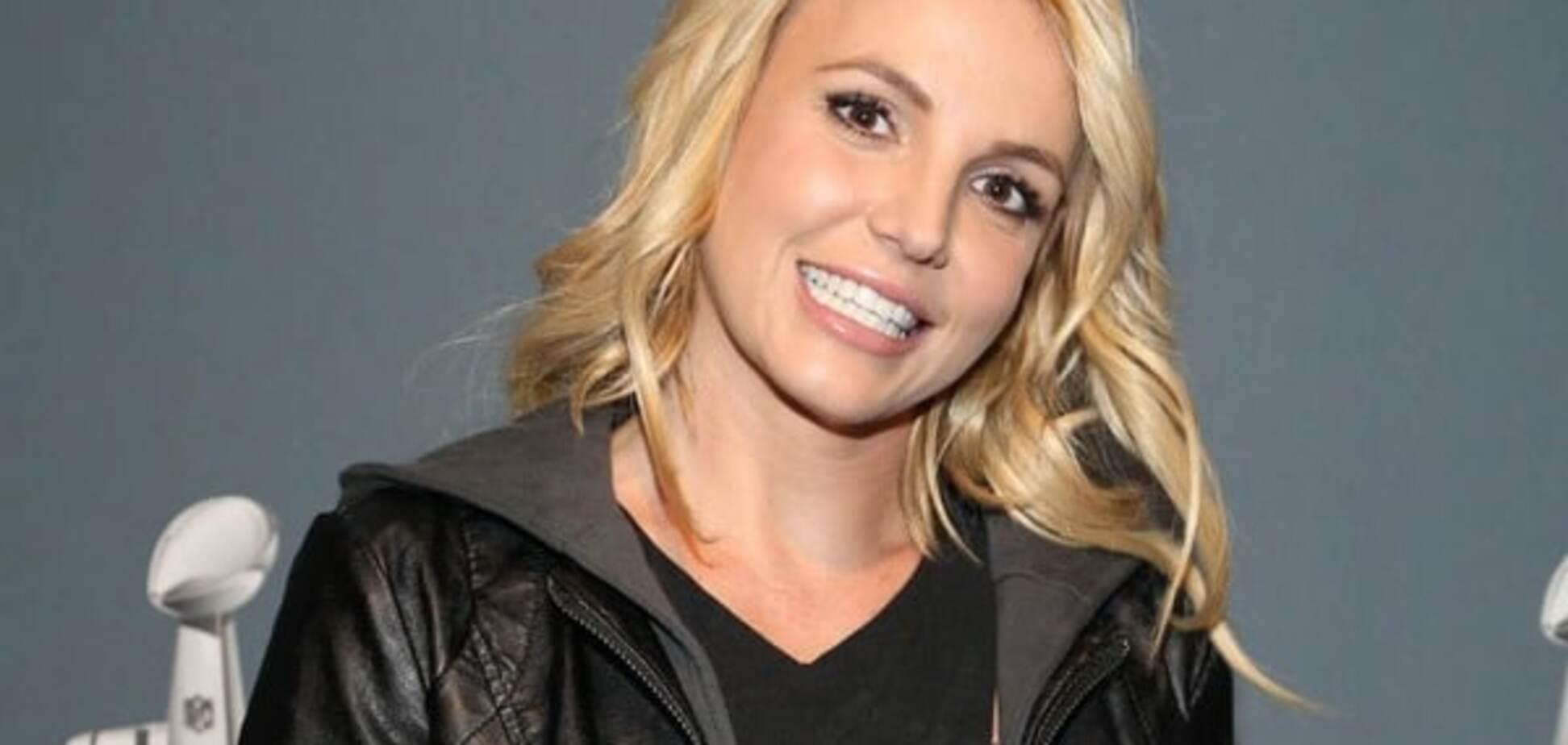 Бритни Спирс попала в плен на собственном концерте: видеофакт