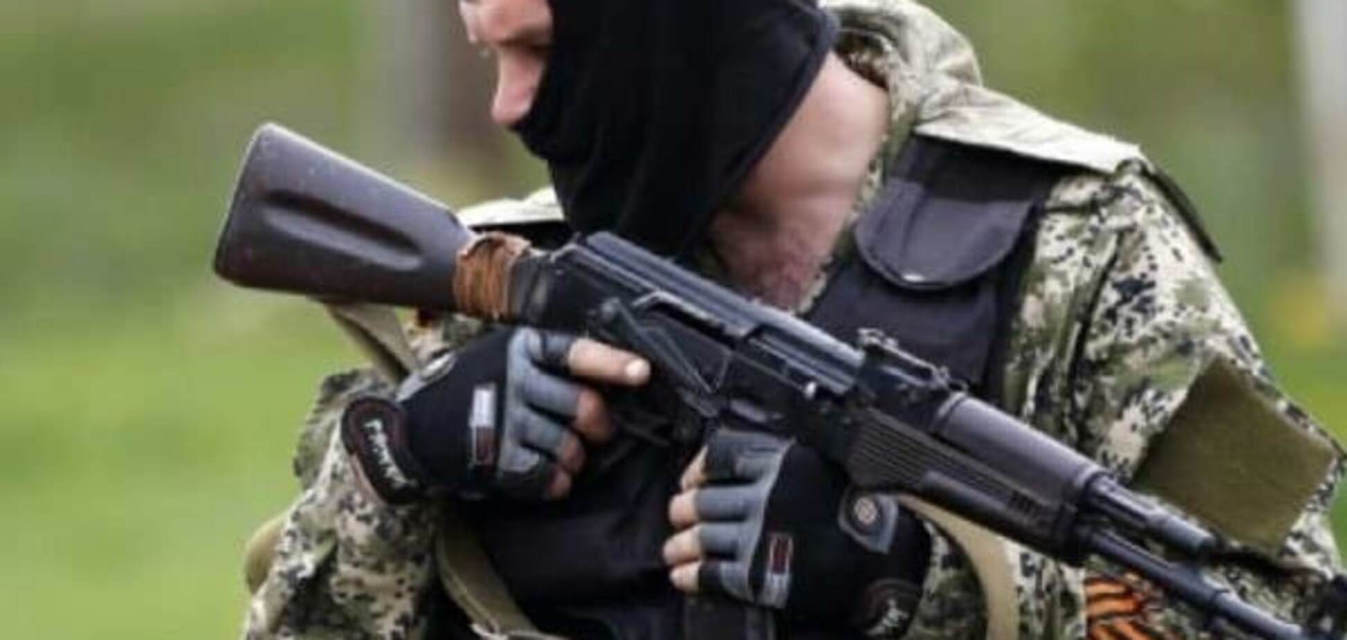 'Спасибі, що живий': у Луганську патруль 'ЛНР' обібрав перехожого