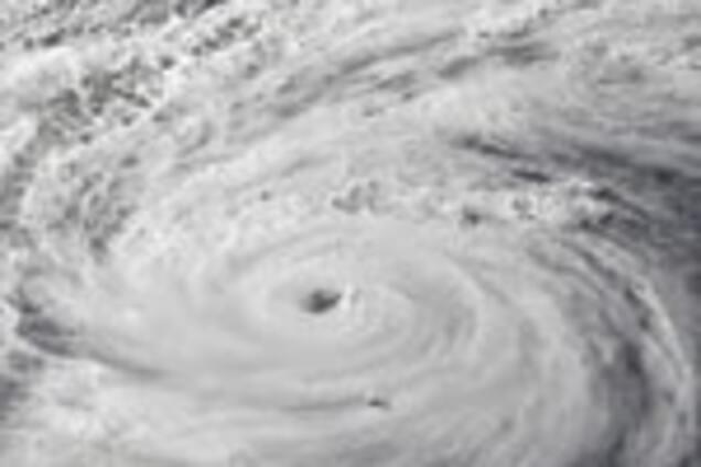 Похоже на конец света: в сети показали пугающие кадры мощного тайфуна в Гонконге