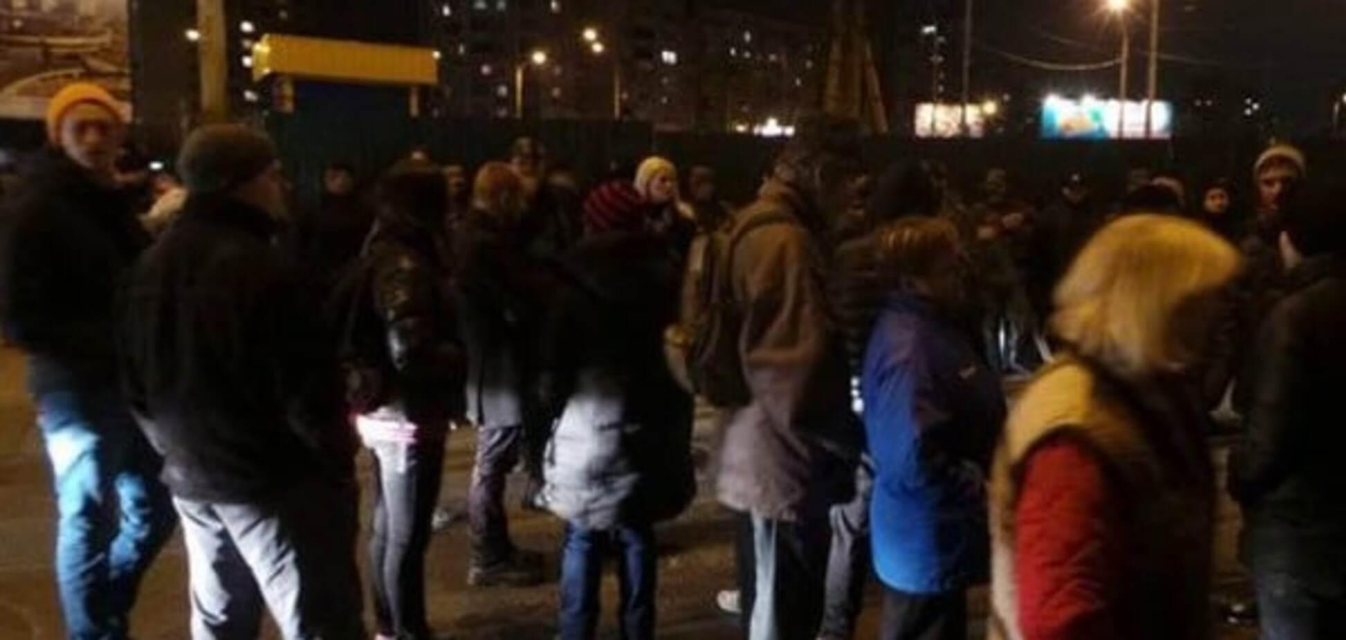 Протест против строительства ТРЦ на \'Героев Днепра\'