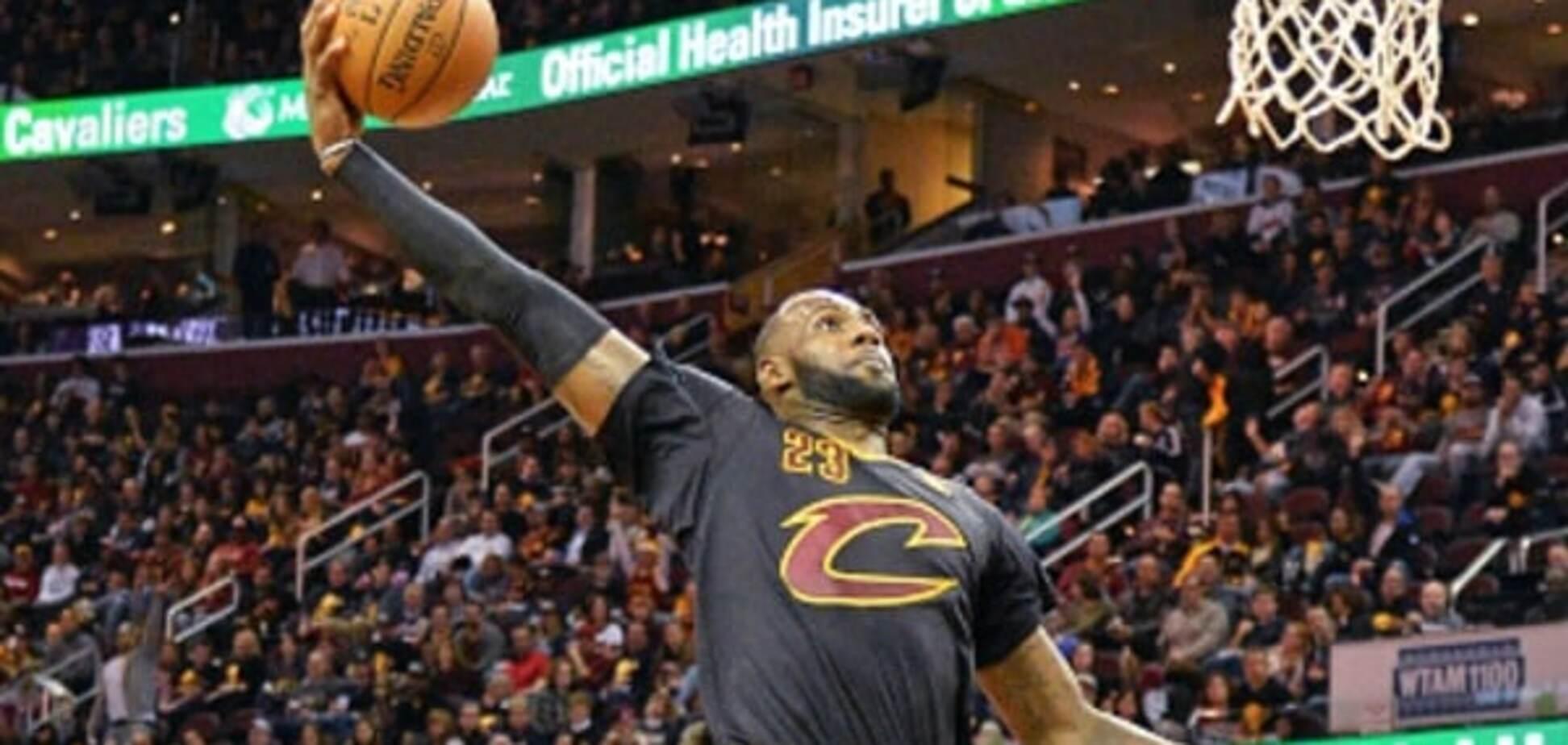 Леброн Джеймс фантастически открыл новый сезон НБА: яркое видео