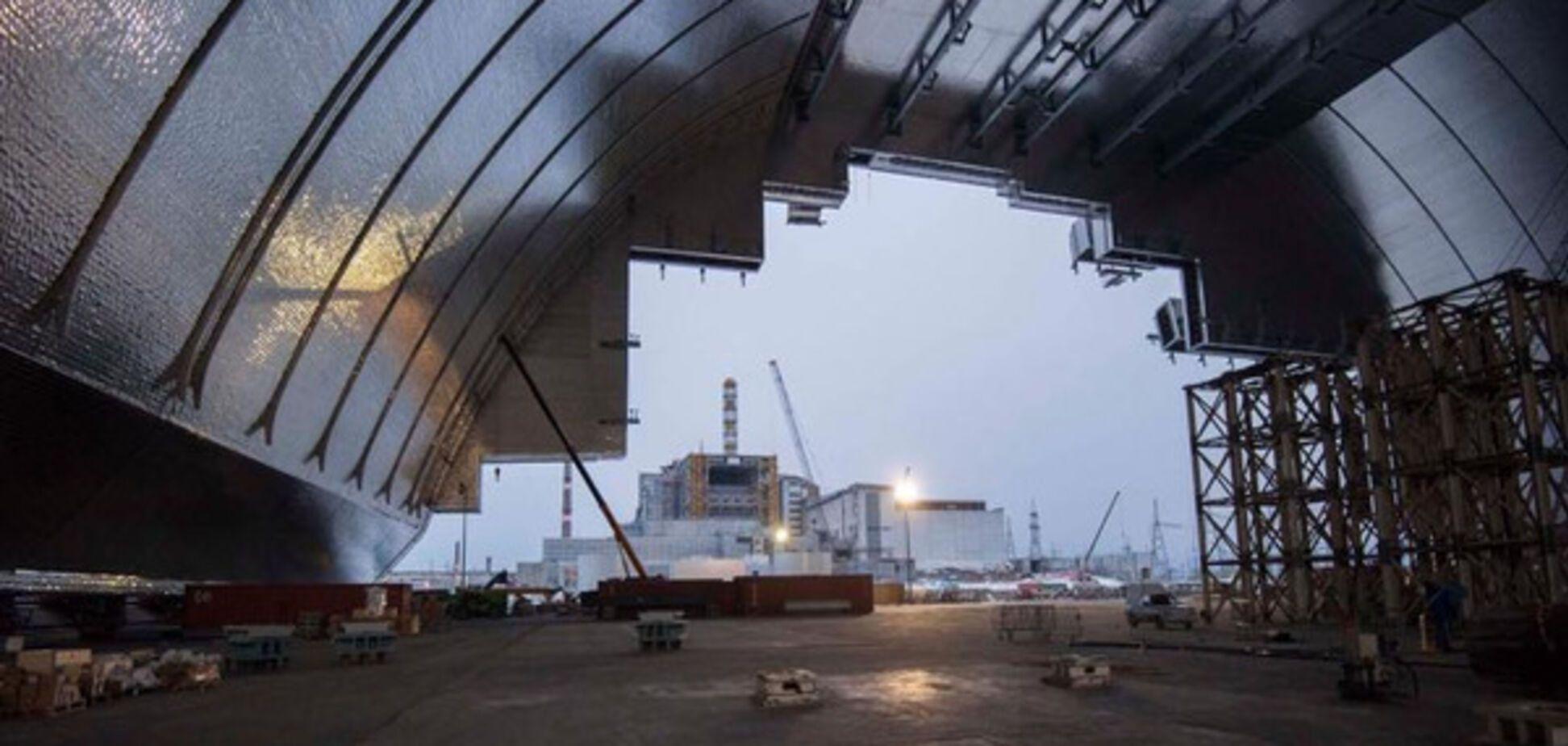 Насування арки в Чорнобильській АЕС