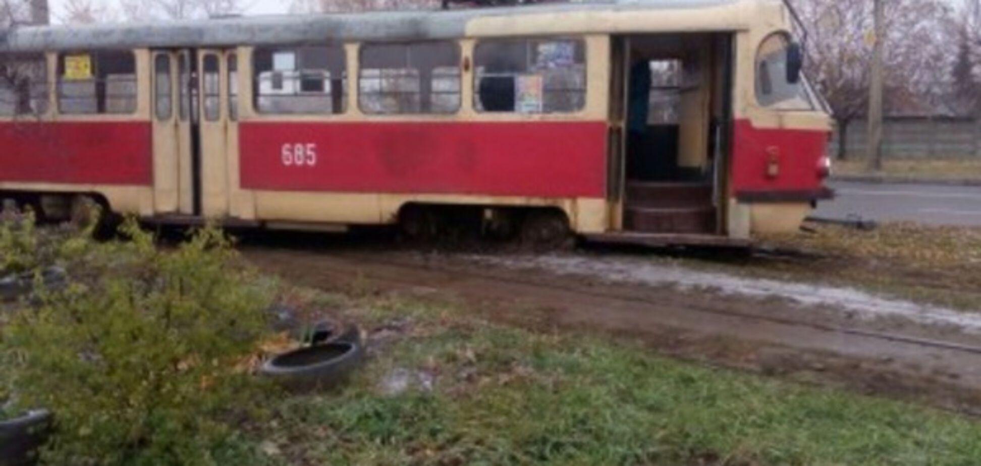 В Харькове трамвай сошел с рельс