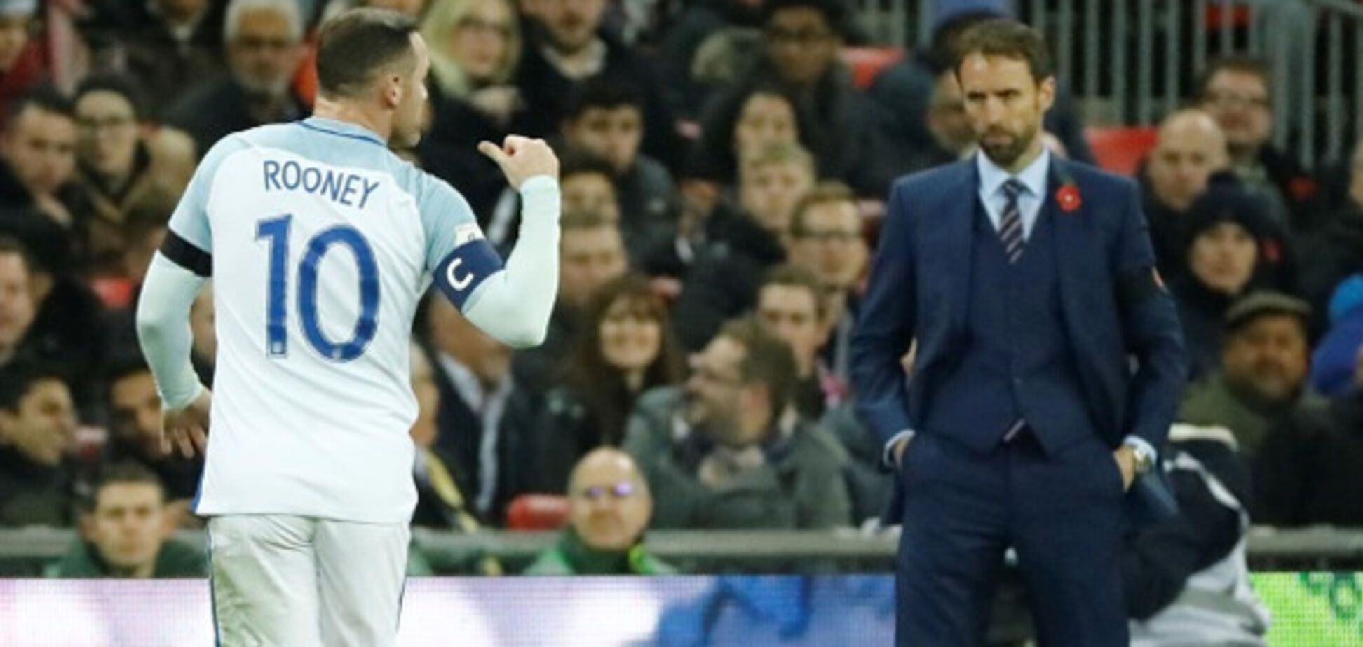 Заліт дня: капітан збірної Англії з футболу вляпався в грандіозний скандал