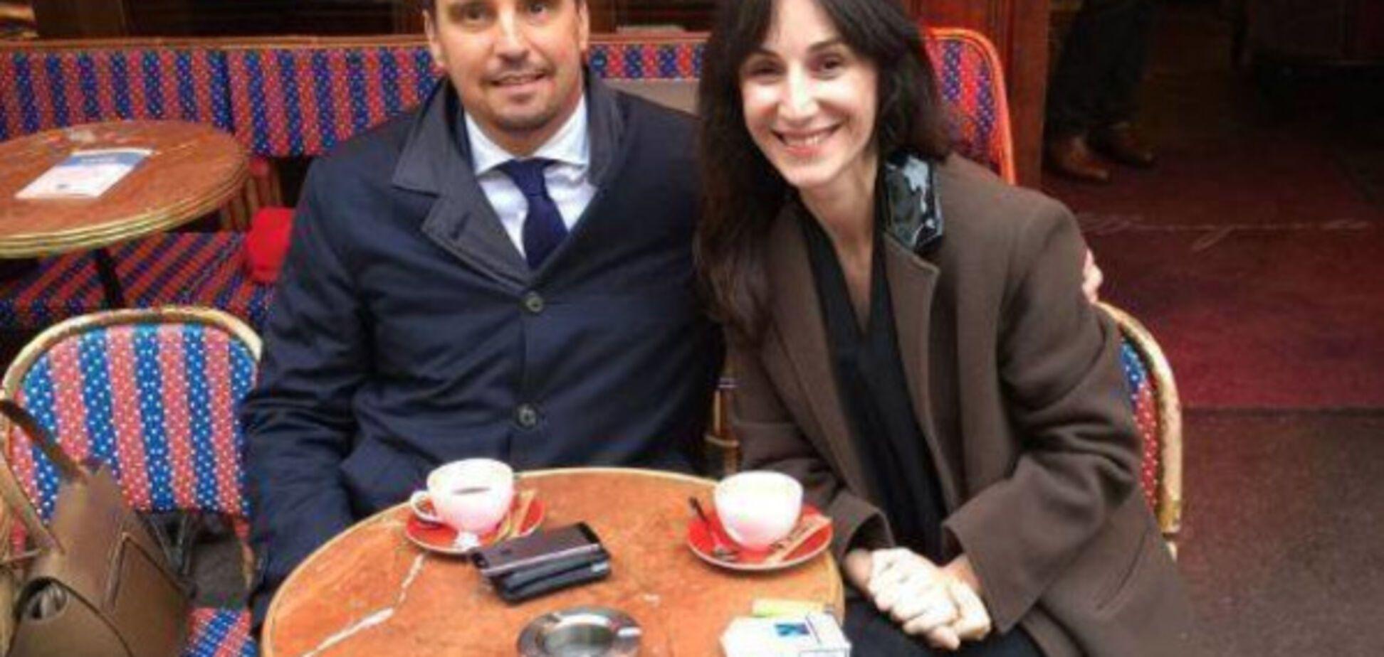 Обдерли країну, а тепер попивають каву в Парижі?