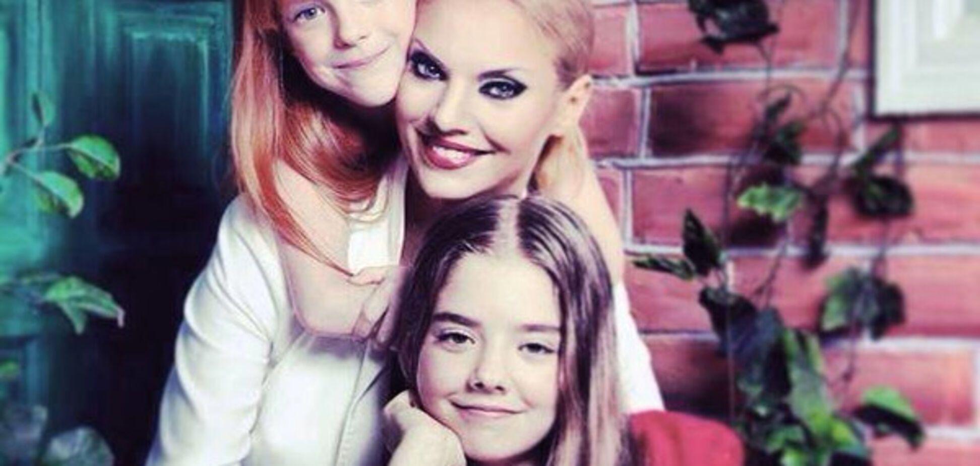 Наталя Окунська з дітьми