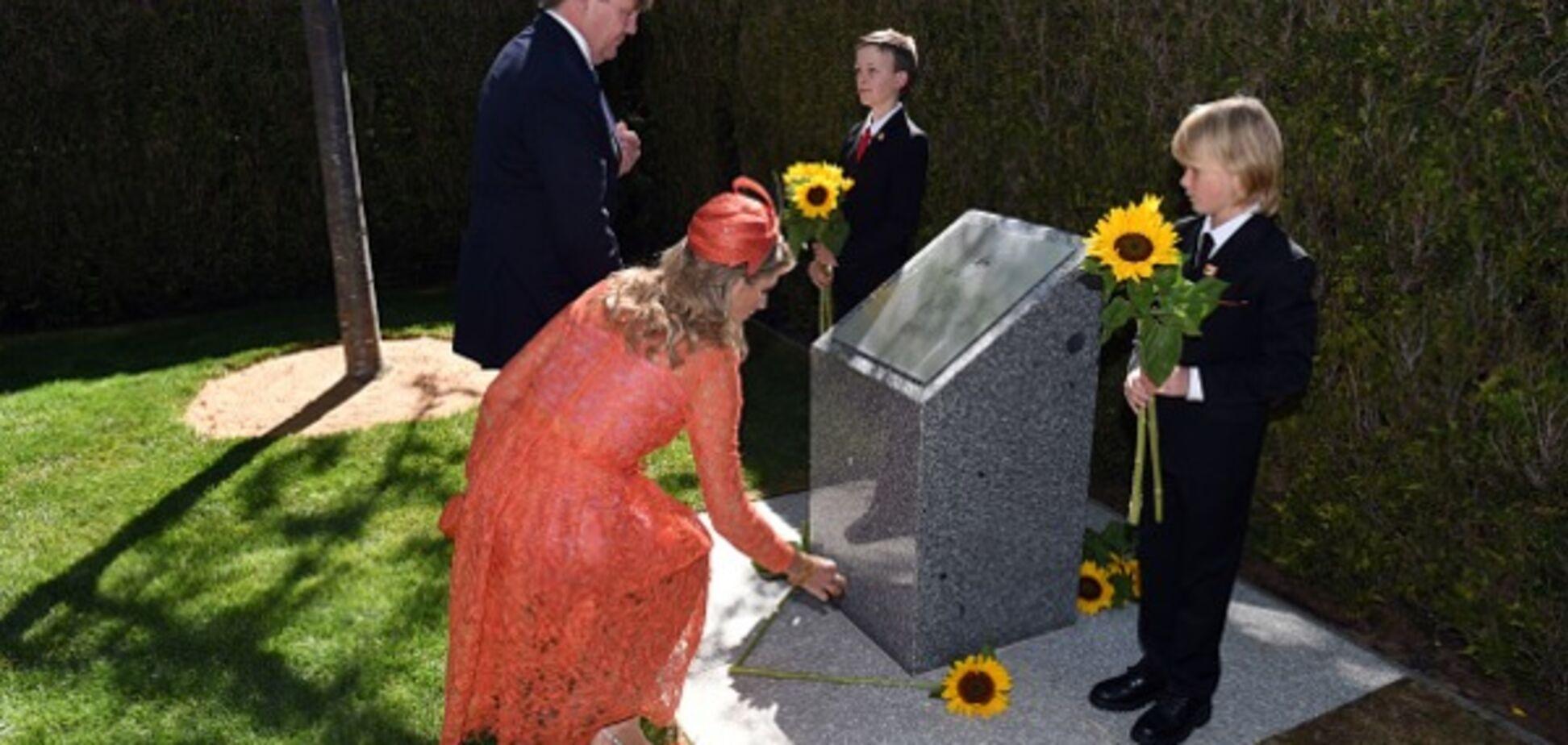 Королевская чета Нидерландов почтила память погибших в МН17