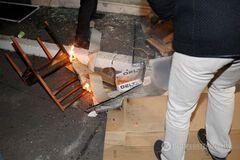 Активисты устроили атаку на ряд помещений в центре Киева на годовщину Евромайдана