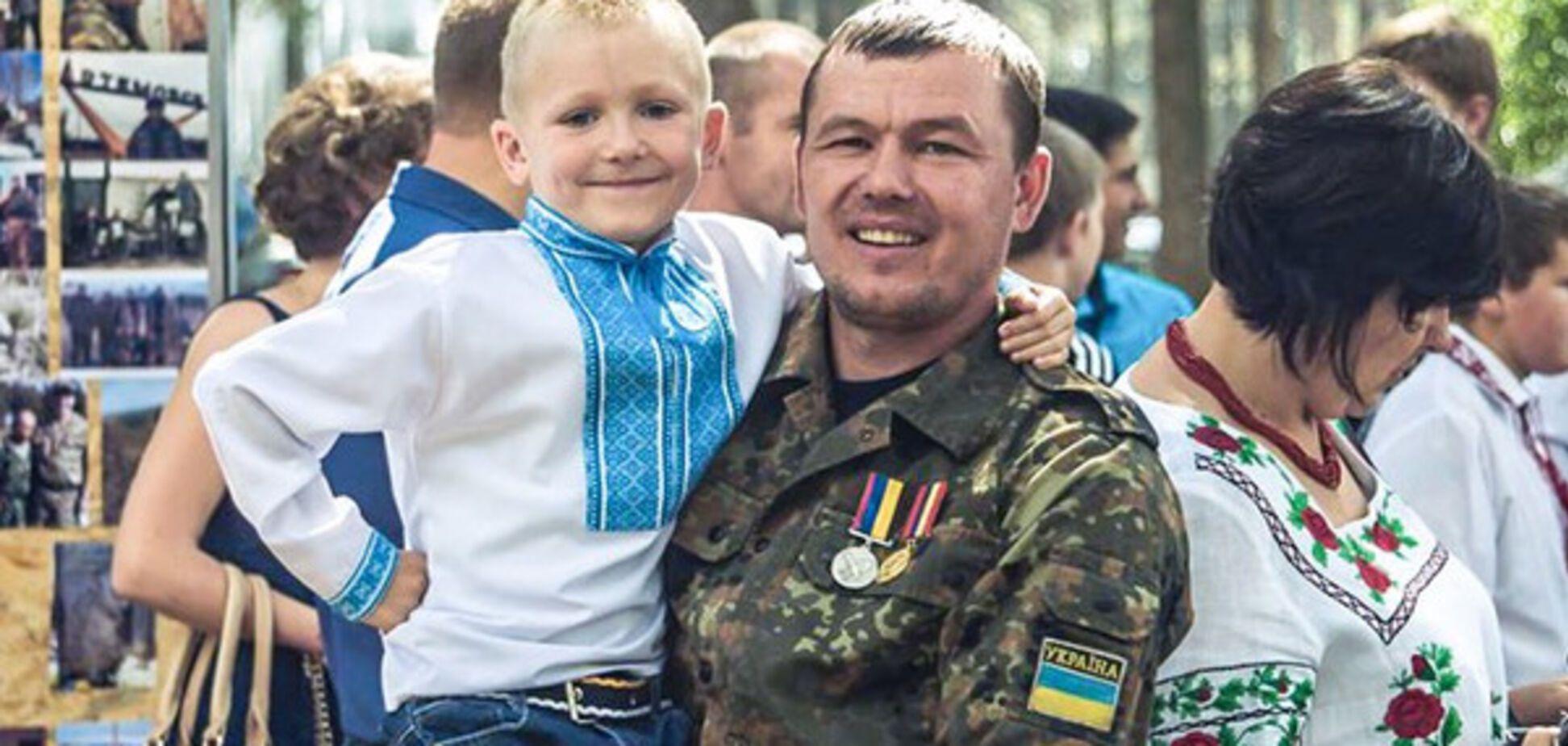 Боєць Сергій із сином