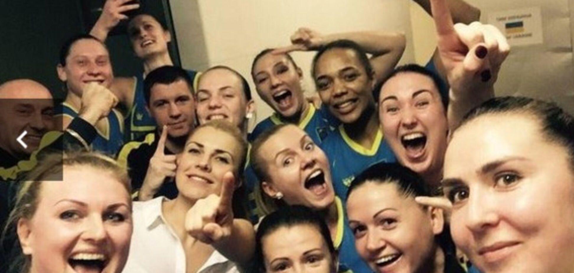 Украинки похвастались фото из раздевалки после феерии в отборе Евробаскета-2017: фотофакт