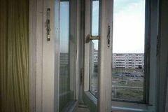 В Одессе мужчина выпрыгнул из окна многоэтажки