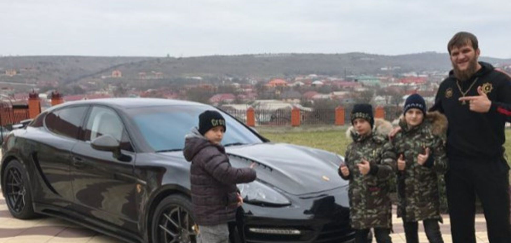 Подарок детей Кадырова