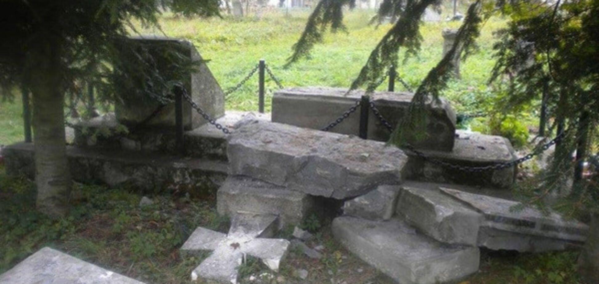 Памятник воинам УПА