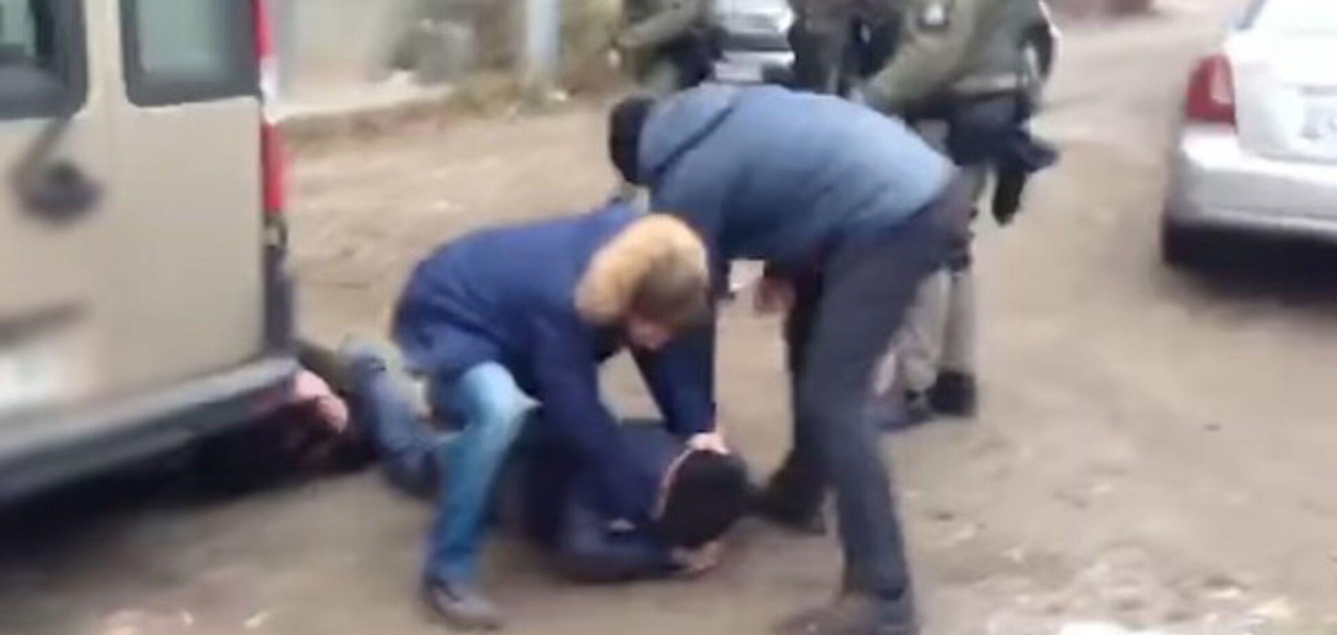 поліція затримання