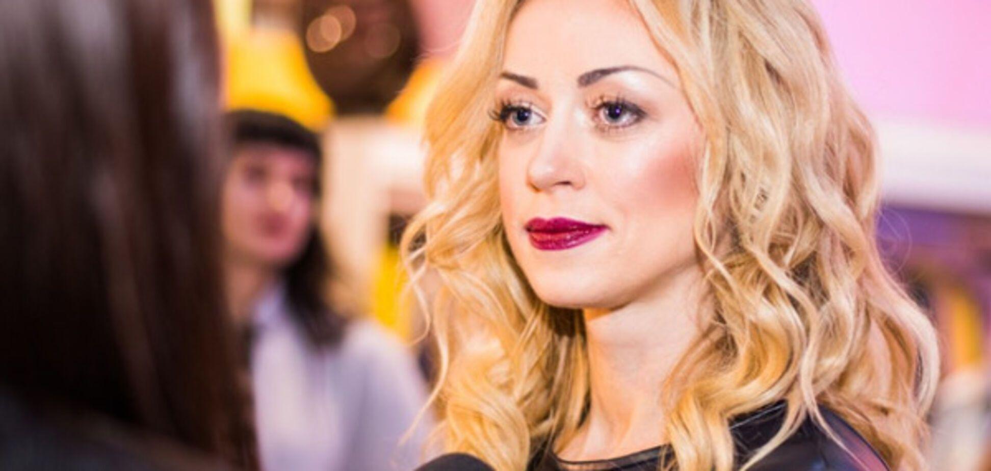 'Ей хорошо без трусов': украинская певица поразила сети откровенным нарядом