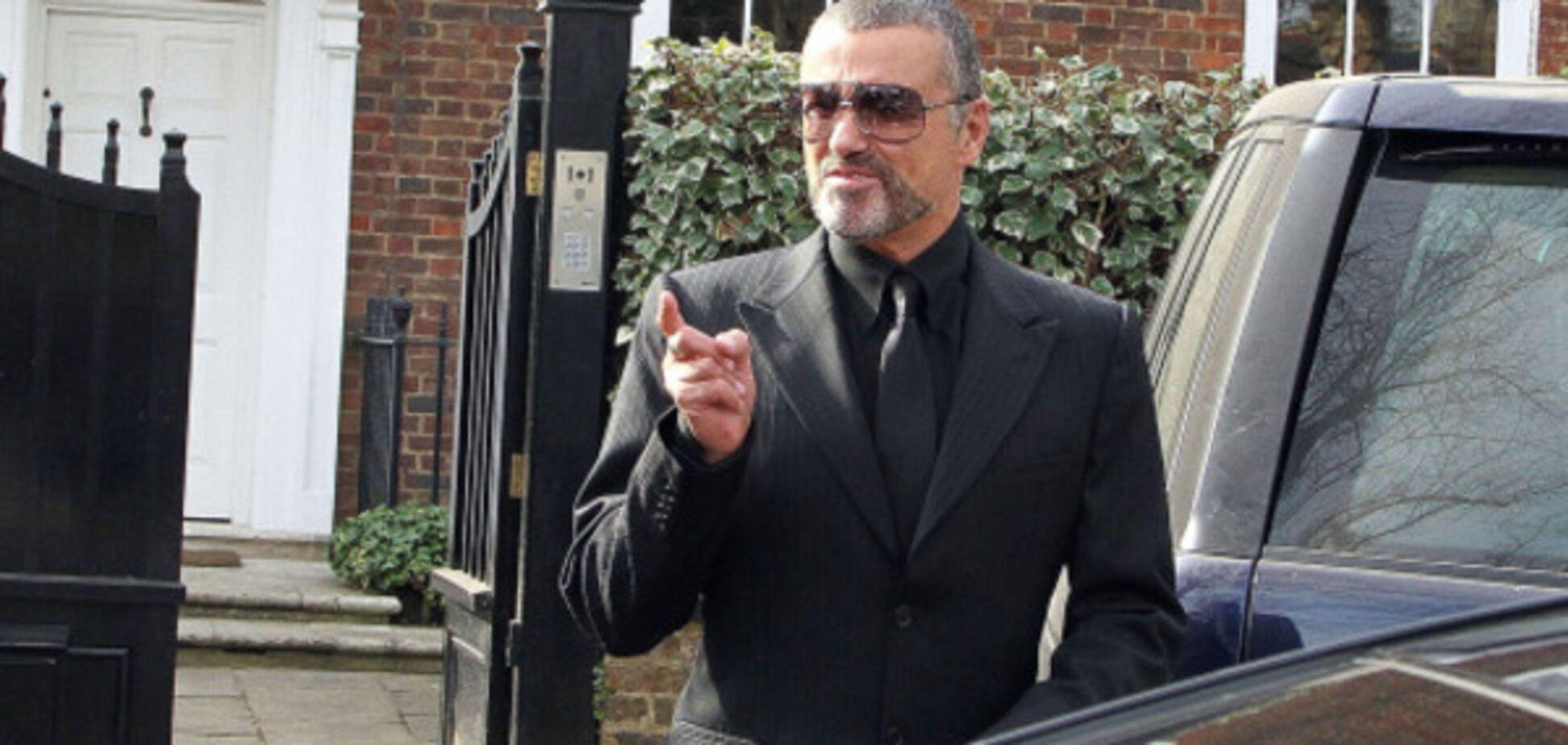 Смерть Джорджа Майкла: появились трогательные фото прощания поклонников