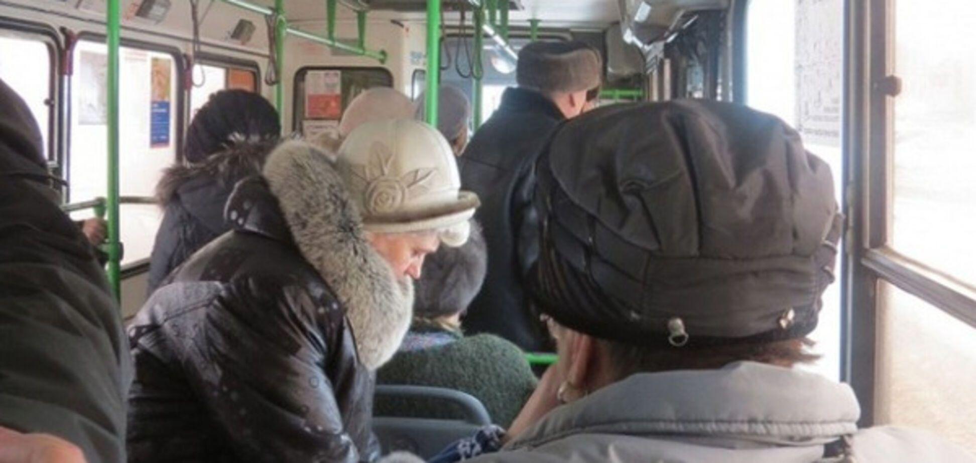 В Харькове требуют запретить бабушкам кататься в маршрутках