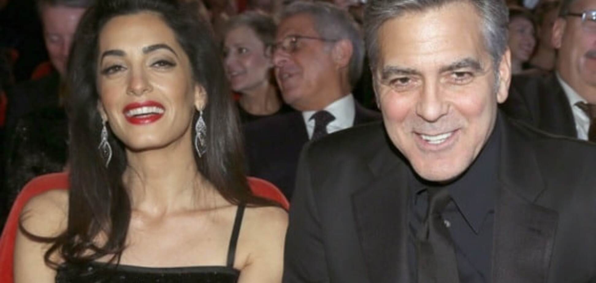 Берлинале-2016: жена Клуни восхитила роскошным нарядом