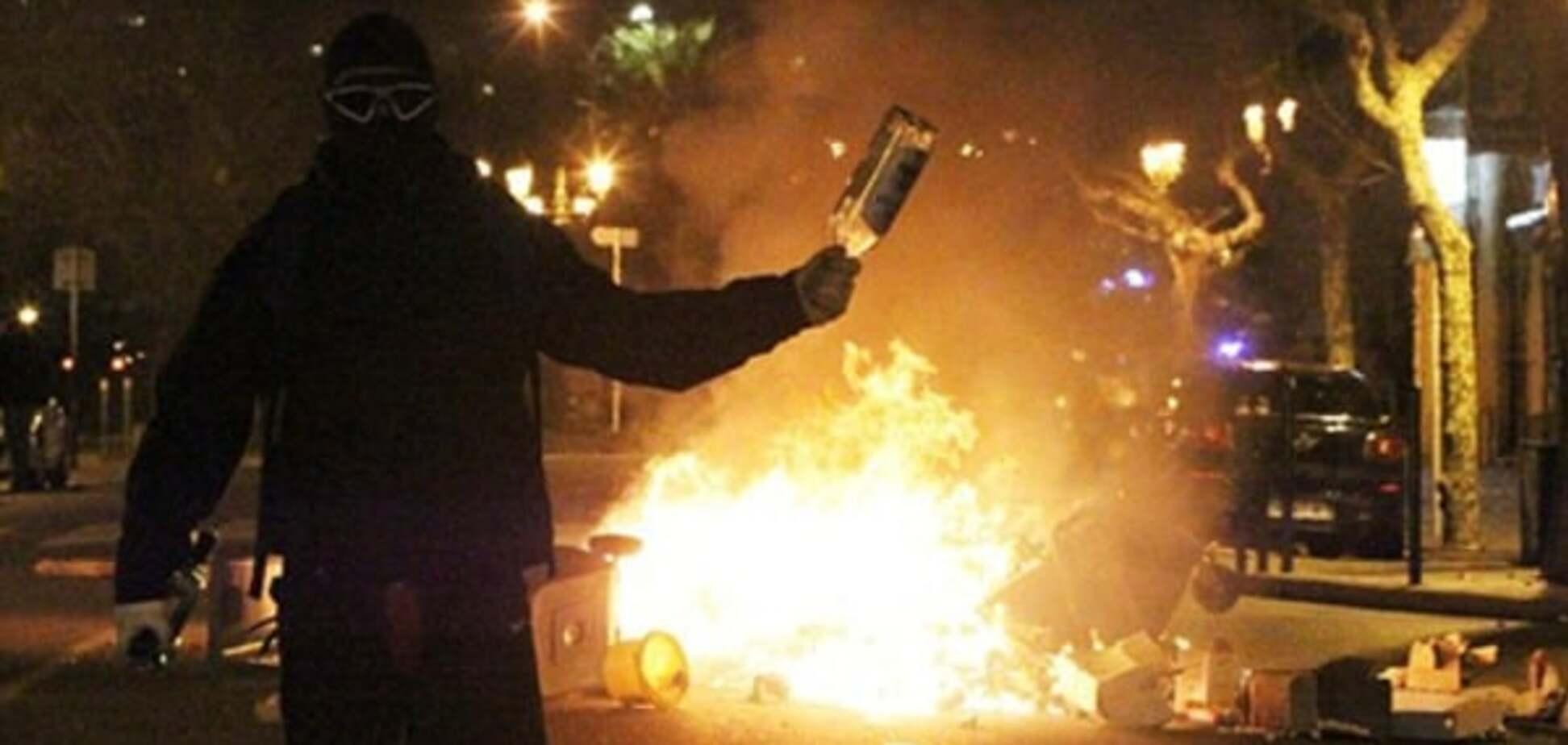 'Підготовка' до Євро-2016. У Франції фанати закидали поліцію коктейлями Молотова: фото свавілля