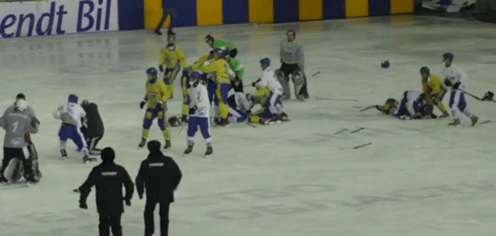 Хокеїсти збірної України влаштували масову бійку на чемпіонаті світу в Росії: відео інциденту
