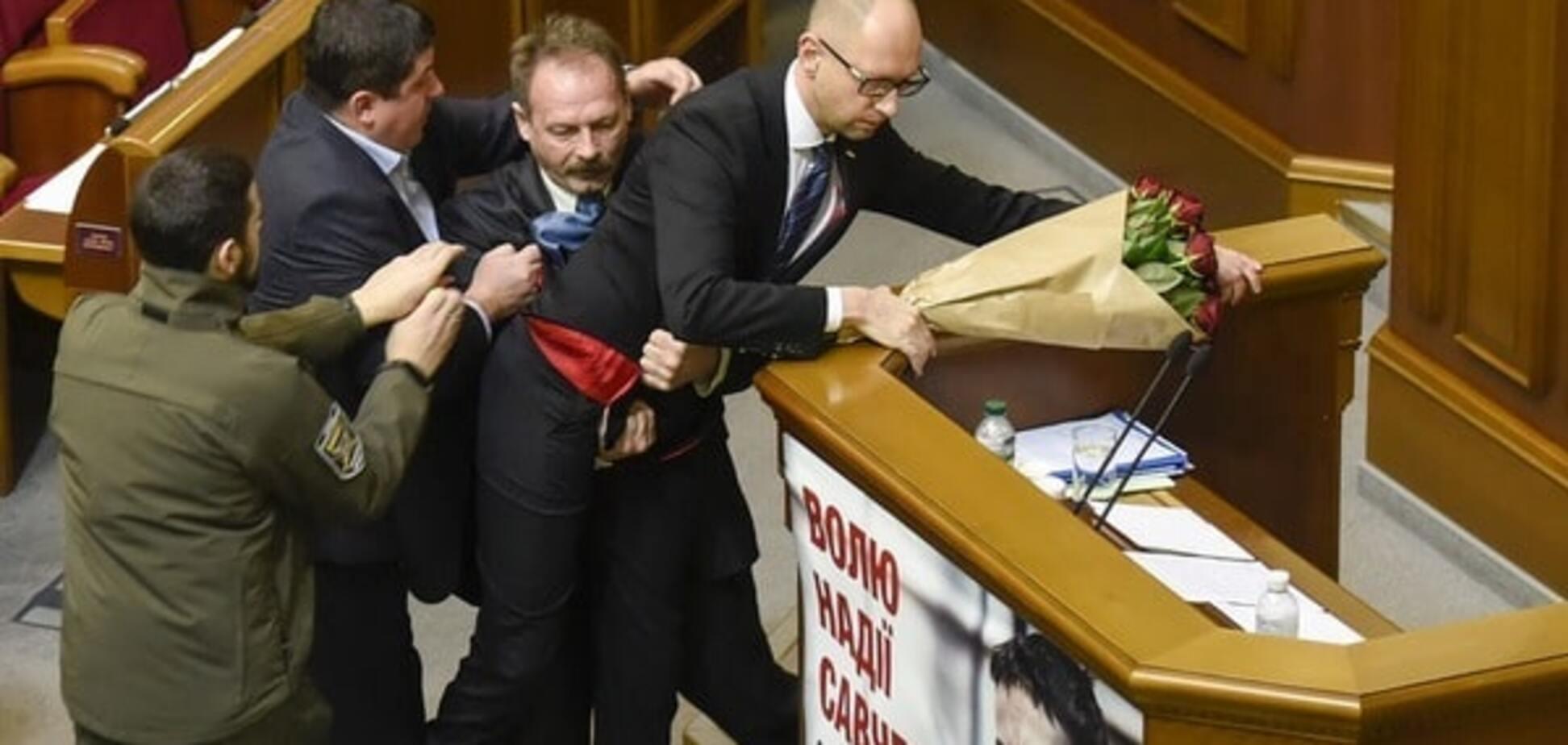 Яценюк и Шокин должны уйти: эксперт назвал лучший сценарий для Украины