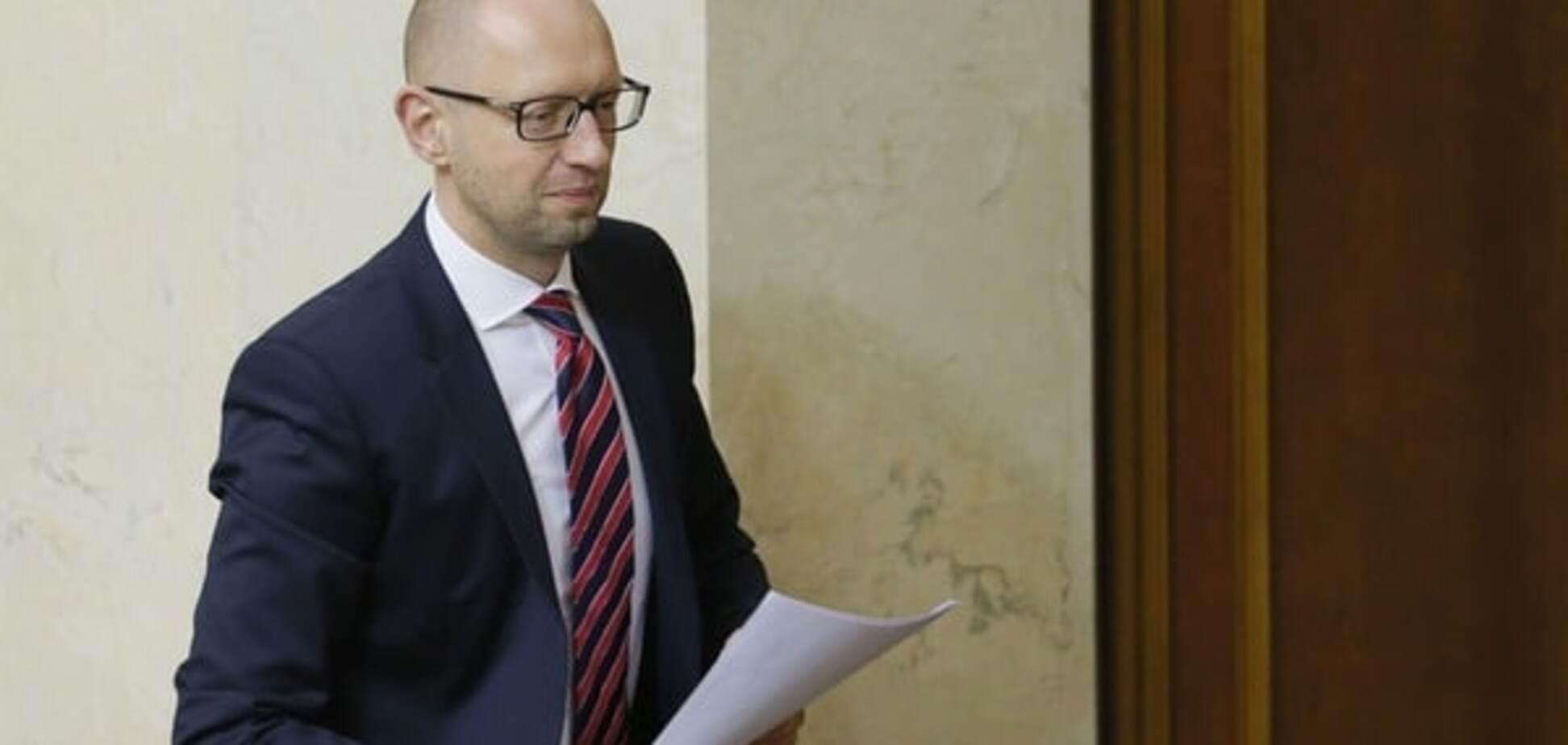 Інтриги олігархів: Яценюк виграв кілька місяців завдяки провалу голосування