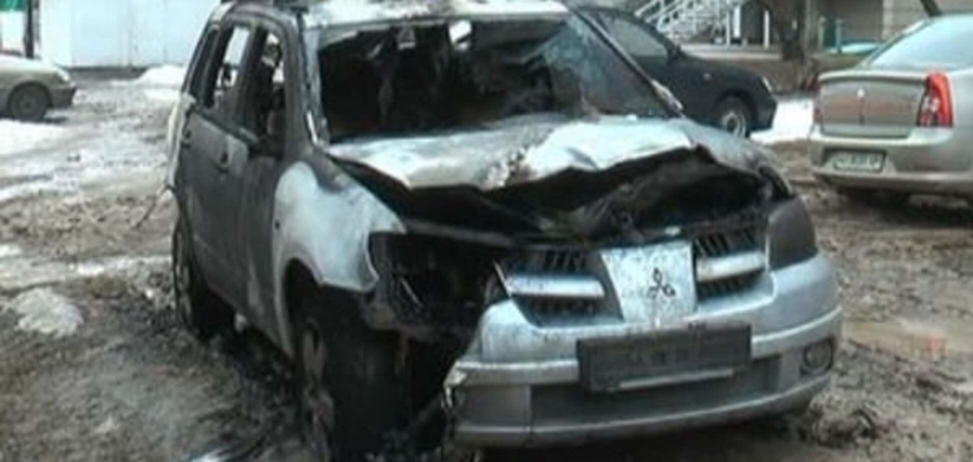 У Харкові спалили авто поліцейського: відеофакт