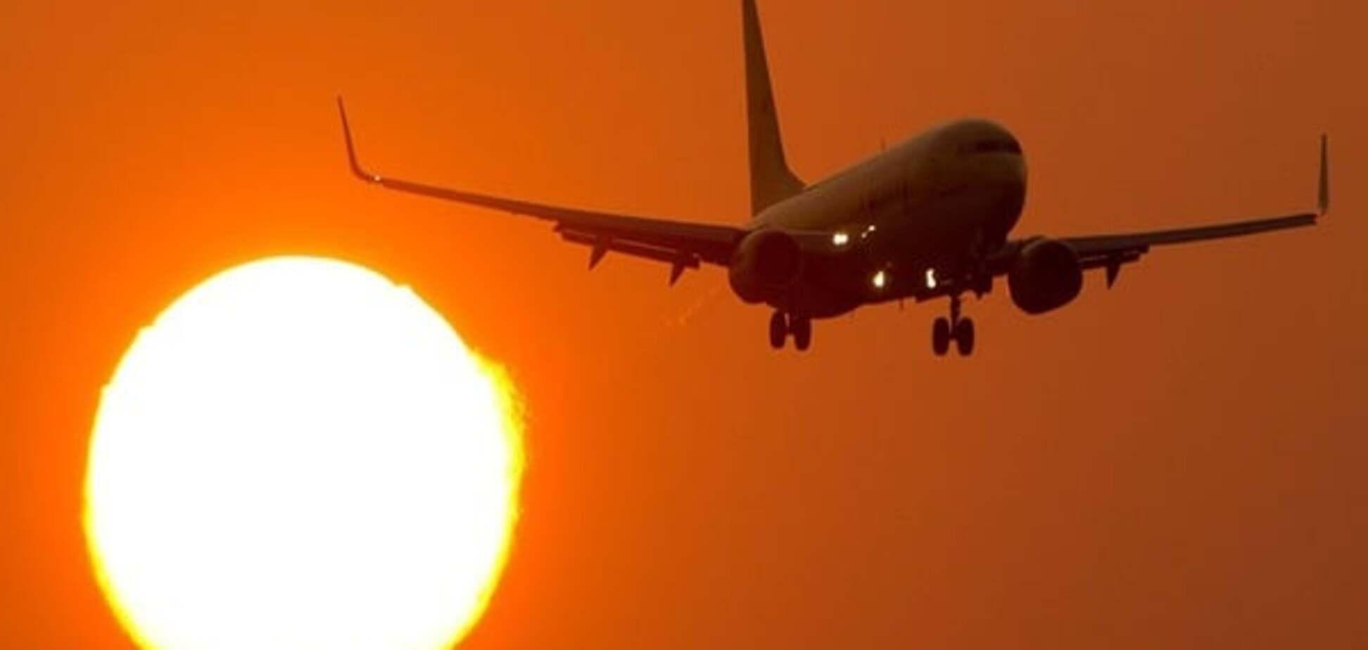 Трагедія в небі: в Росії літак здійснив екстрену посадку через смерть пасажира