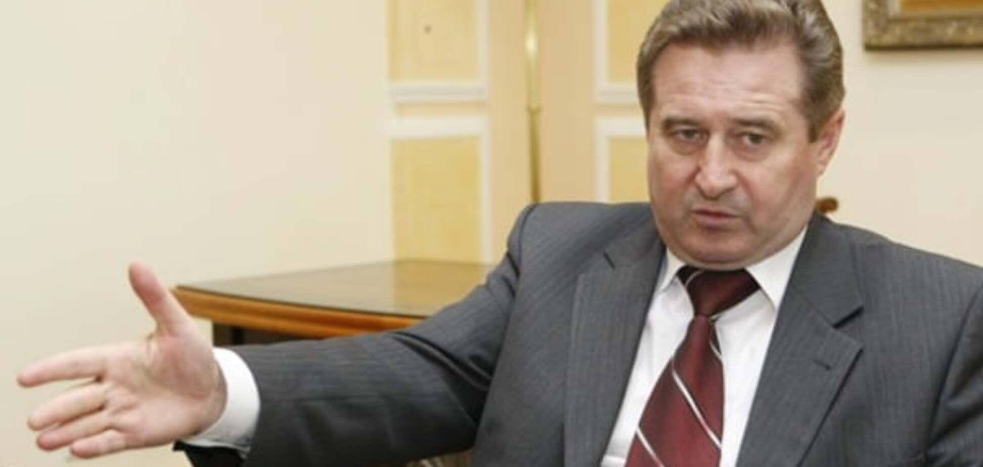 Люди в масках ворвались в дом и избили экс-министра транспорта Украины