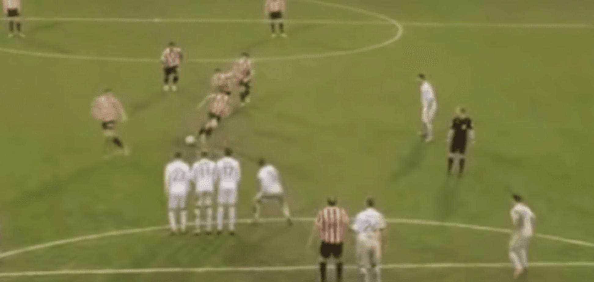 Надто захопилися. Англійські футболісти виконали найбезглуздіший штрафний удар року: курйозне відео