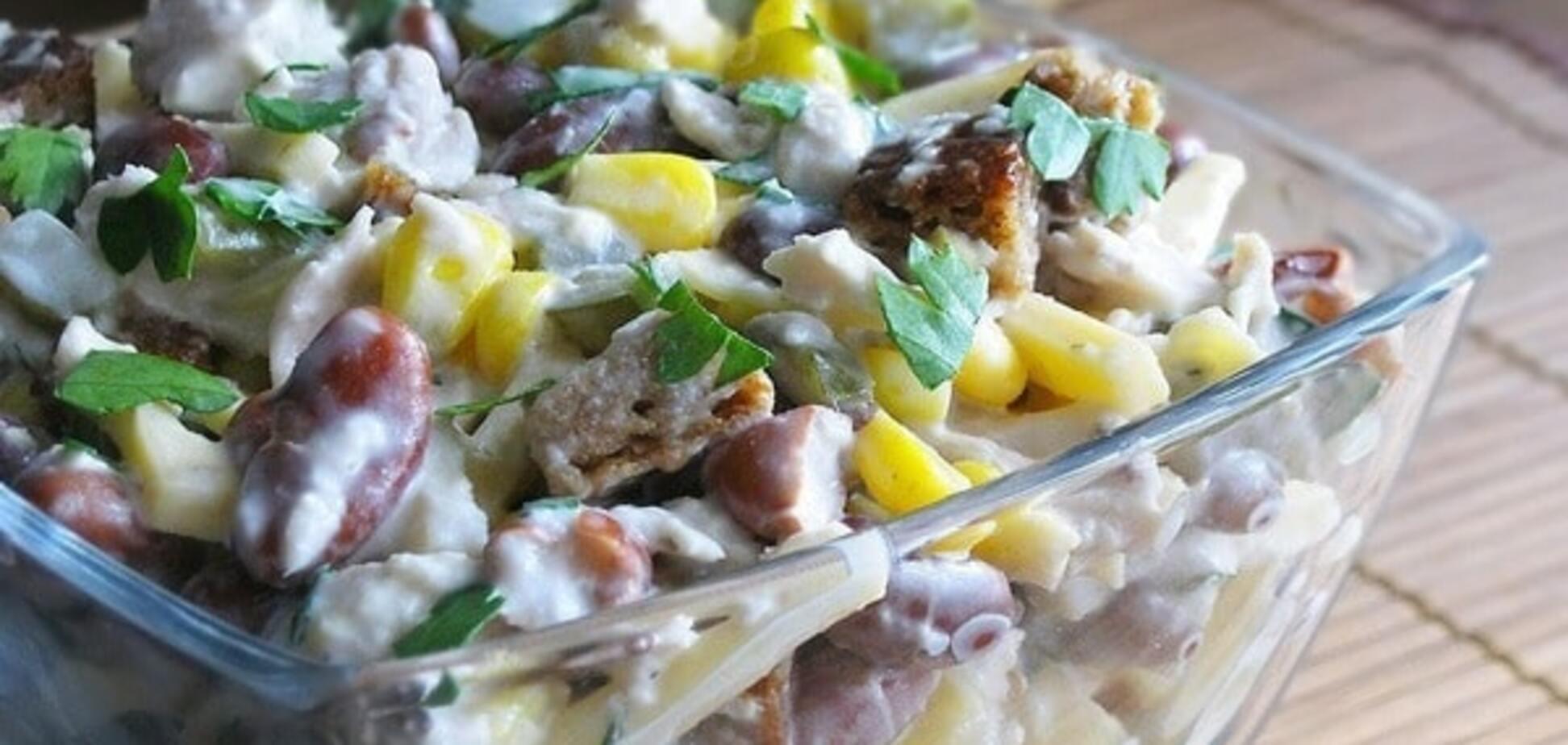 Салат с курицей, фасолью и сыром для тонкой талии