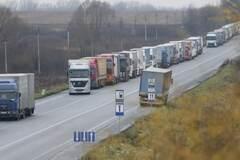 Транзит повернеться 25 лютого, але Національна поліція буде стежити - Яценюк