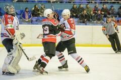 'Донбасс' обыграл 'Дженералз' в центральном матче тура чемпионата Украины по хоккею