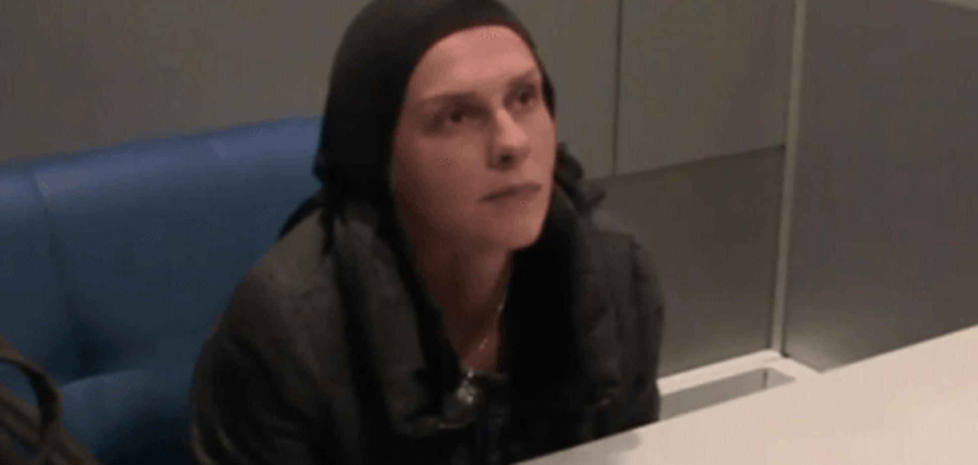 Обнародовано видео выдворения из Украины российской журналистки Столяровой
