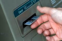 Українців попередили про блокування карт за сумнівний заробіток