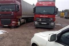 Зелене світло: Україна і Росія відновили транзит вантажів