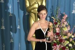 Від Ліз Тейлор до Джулії Робертс: кращі вінтажні сукні 'Оскара'